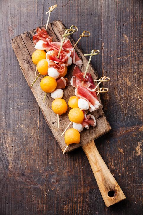 Mozzarella, prosciutto, melon